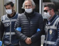 Jornalista turco detido por zombar da campanha de doação de Erdoğan
