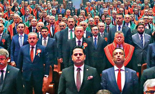 Como os Tribunais da Turquia se voltaram contra os inimigos de Erdogan