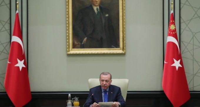 Assassinato de curdos na Turquia provoca acusações de discriminação