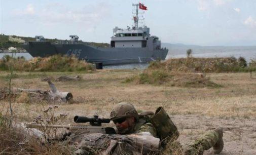 """Turquia realiza exercícios sobre """"como invadir ilhas gregas"""""""