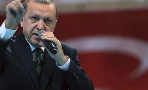 França denuncia 'jogo perigoso' da Turquia na Líbia