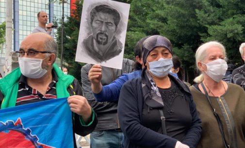 Polícia turca interrompe manifestação por ativista morto em Gezi