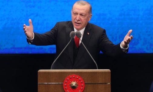 Deputados turcos votam em projeto que pode bloquear Facebook e Twitter