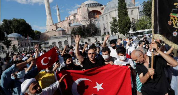 Entenda por que a Santa Sofia voltará a ser mesquita na Turquia