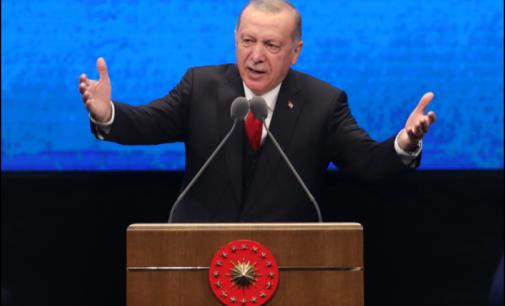 Último refúgio dos jornalistas da Turquia, mídias sociais na mira de Erdogan