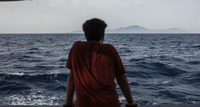 Turquia invade navio com 276 migrantes rumo à Europa