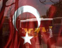 """Demissões em massa na Turquia: """"Recebemos uma sentença de morte social"""""""