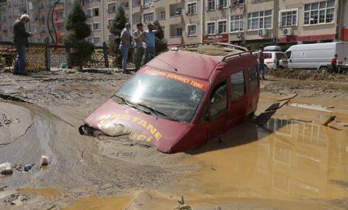 Graves inundações repentinas no norte da Turquia matam sete pessoas