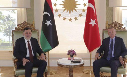 Turquia espera receber US $ 35 bilhões em contratos com a Líbia