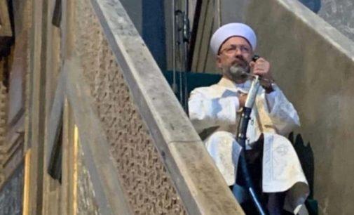 Ministro de assuntos religiosos criticado por sua atitude no sermão na Santa Sofia