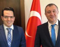 Em resposta ao embaixador da Turquia