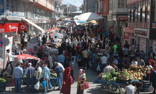 Número de estrangeiros trabalhando na Turquia quase dobrou em 2 anos