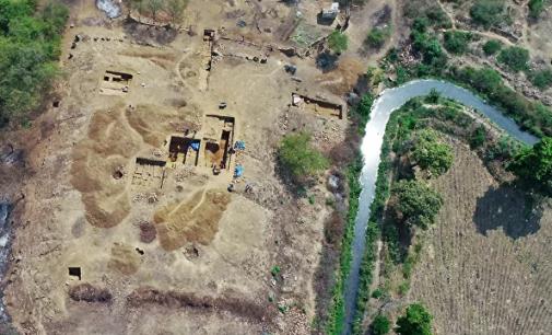 Arqueólogos descobrem na Turquia 'fábrica' e ferramentas têxteis de 4.000 anos (VÍDEO)