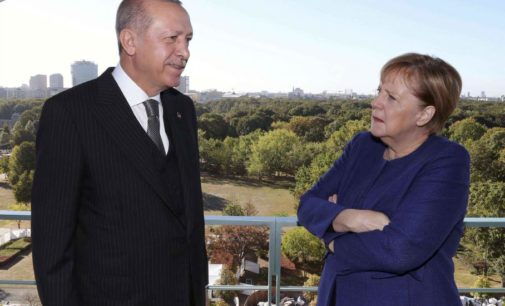 Erdoğan vai reclamar com Merkel sobre a gigante cruz grega na fronteira
