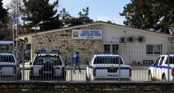 Torturados, roubados e empurrados de volta para a Turquia, migrantes enfrentam força desonesta na Grécia