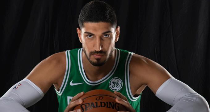 Ídolo da NBA sofre perseguição política na Turquia