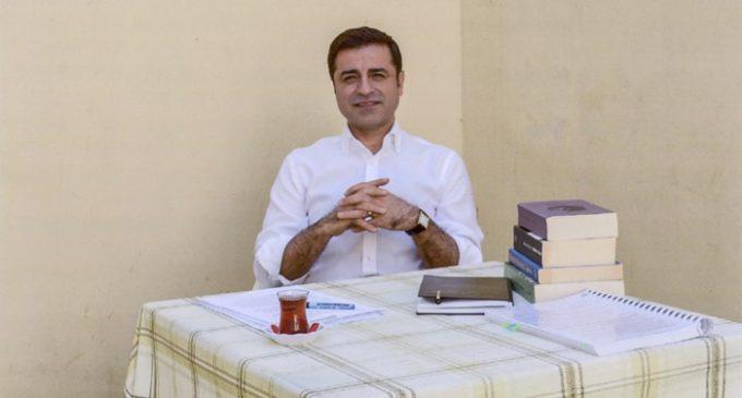 HDP não poderia ter encerrado as conversações de reconciliação do AKP com o PKK: Demirtaş