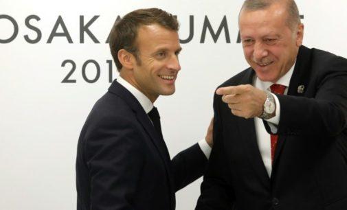 """Boicote a produtos franceses afastará """"ainda mais"""" Turquia da UE"""