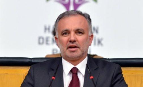 Políticos presos do partido pró curdo hospitalizados por intoxicação alimentar