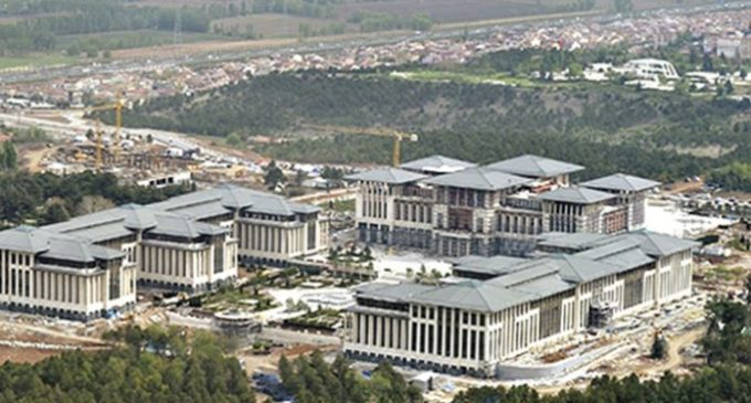 55 milhões de liras gastas em 10 meses para manter os jardins dos palácios de Erdoğan