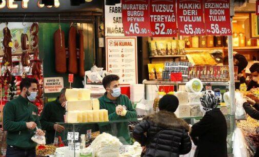 Erdoğan culpa os lojistas pelo aumento dos preços dos alimentos e ameaça impor penalidades
