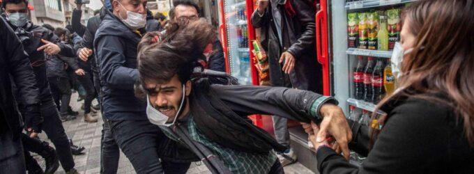 Human Rights Watch apela à Turquia para acabar com a repressão ao protesto estudantil