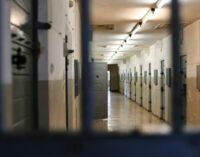 Ministério da Justiça admite superlotação nas prisões da Turquia durante a pandemia