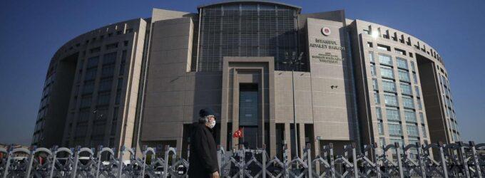 Como Erdoğan usa os tribunais da Turquia como uma arma
