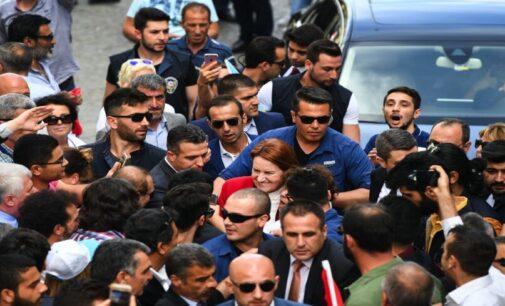 Oposição da Turquia enfrenta aumento de ataques físicos enquanto Erdogan se regozija