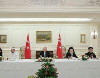 O governo turco limitou os direitos das minorias religiosas em 2020