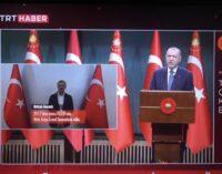 Turquia / Quirguistão: A Rendição do Educador Turco-Quirguistão