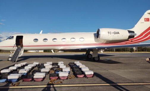Autoridades brasileiras apreendem 1,3 toneladas de cocaína em jato privado turco