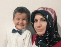 Usuários turcos do Twitter pedem a libertação de mulher grávida