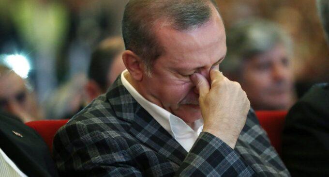 Pesquisa mostra Erdoğan perdendo a presidência para cada um dos 4 potenciais rivais