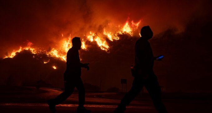 RTÜK da Turquia pune 6 estações de TV por sua cobertura dos incêndios florestais