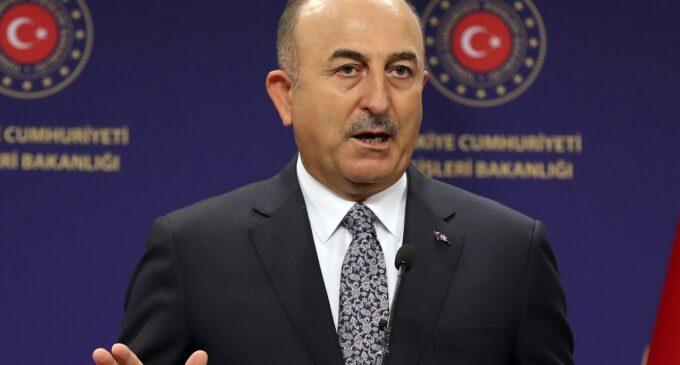 """Turquia acolhe """"mensagens positivas"""" do Talibã"""