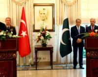 Turquia trabalhará com Paquistão para deter nova onda de migrantes afegãos