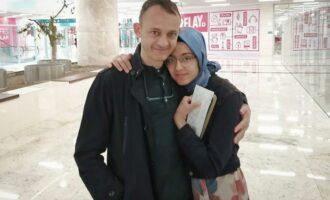 Ex-burocrata desaparecido por 9 meses aparece na prisão de Ancara