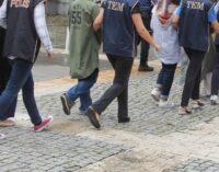 Turquia detém 16 por ajudarem as vítimas da repressão