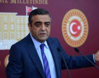 211 pessoas mortas, 248 maltratadas e torturadas na Turquia em julho