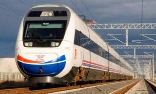 Ferrovia Turca concedeu licitações de US$ 5 milhões a empresa ligada ao sogro de Erdoğan